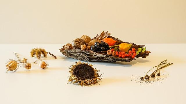 dekorace ze sušených květů a přírodního materiálu